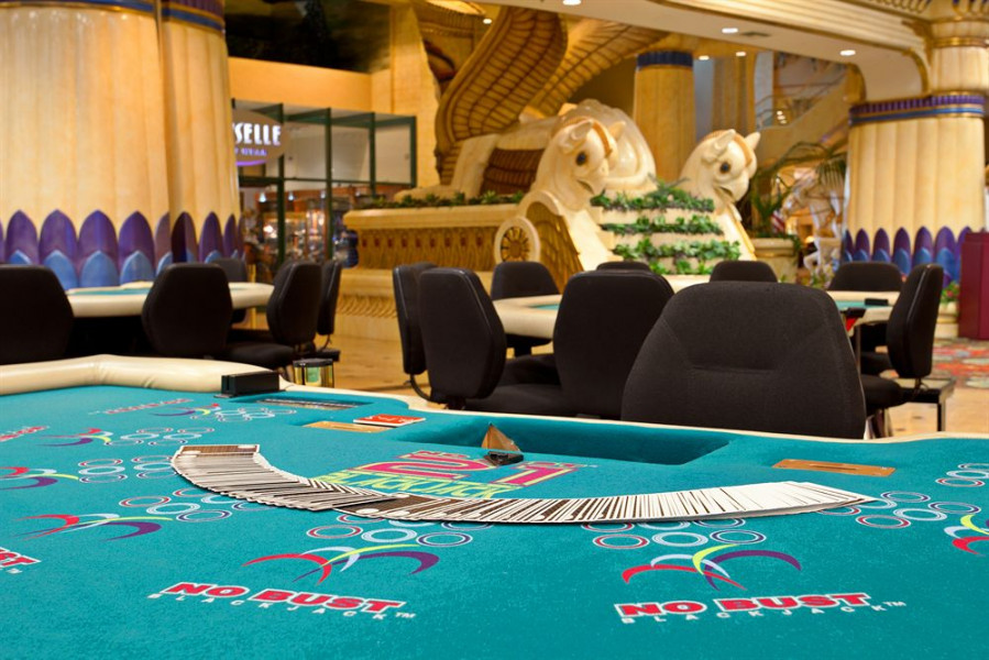 commerce casino 3 card poker