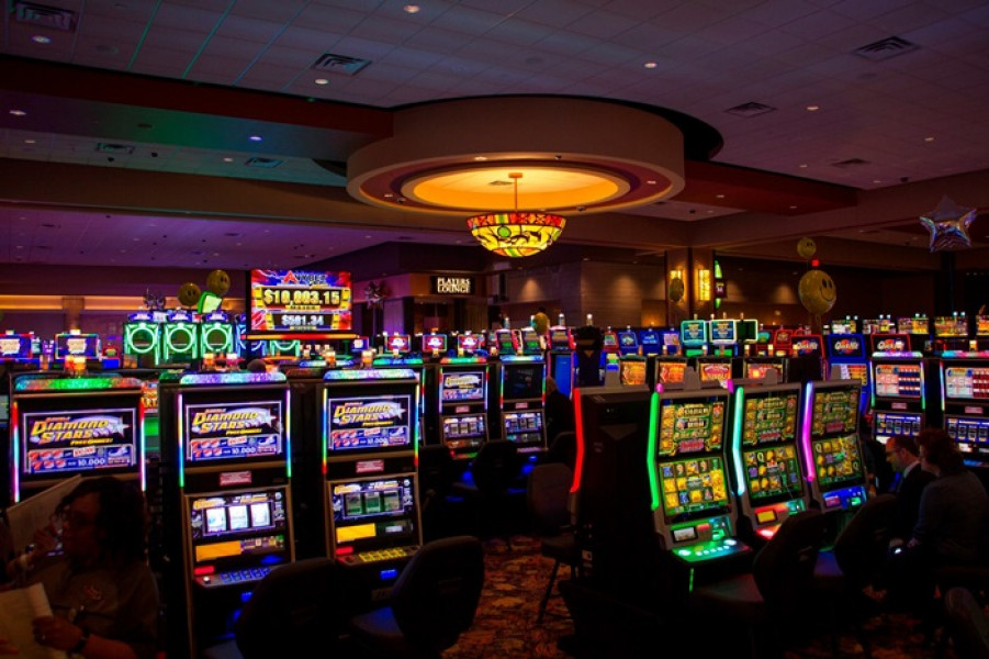 four winds casino poker room closed