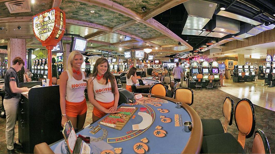 hooters casino las vegas free slot play