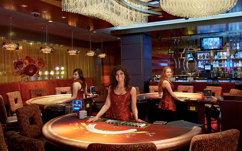 How do slot machine payouts work